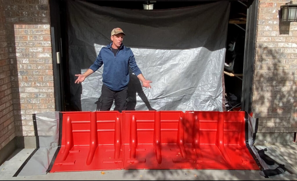Flood Barrier Tie-in using plastic sheeting and Gorilla Tape - NOAQ Boxwall (flooddefensegroup.com)